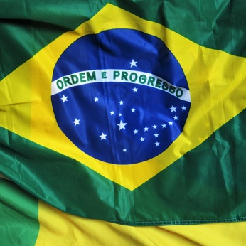 Round xlarge brazil country information brazilian flag